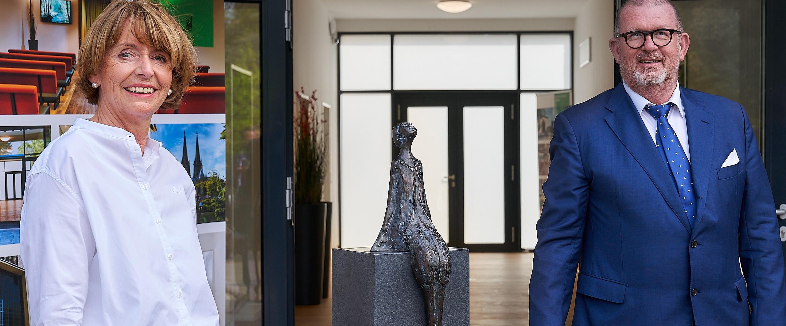 Oberbürgemeisterin H. Reker wiedereröffnet Krematorium Köln